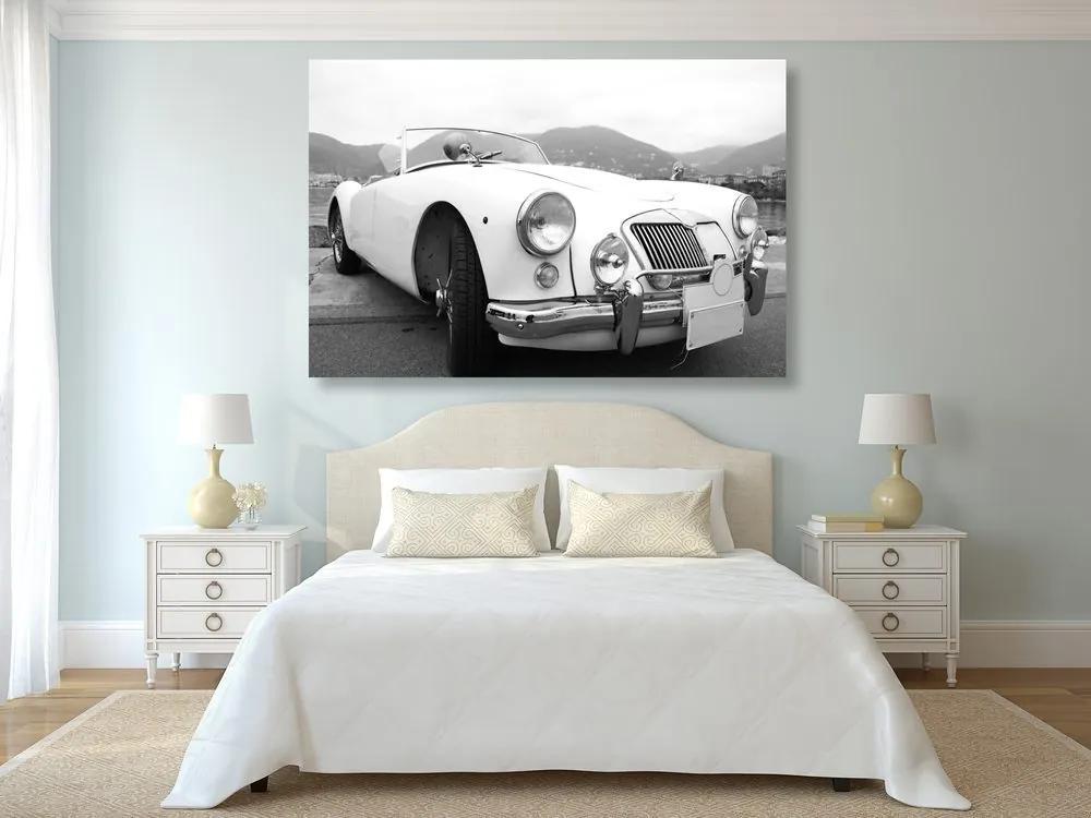 Kép luxusos veterán fekete fehérben