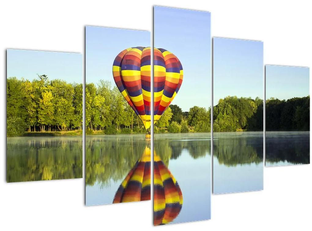 Hőlégballon a tónál képe (150x105 cm)