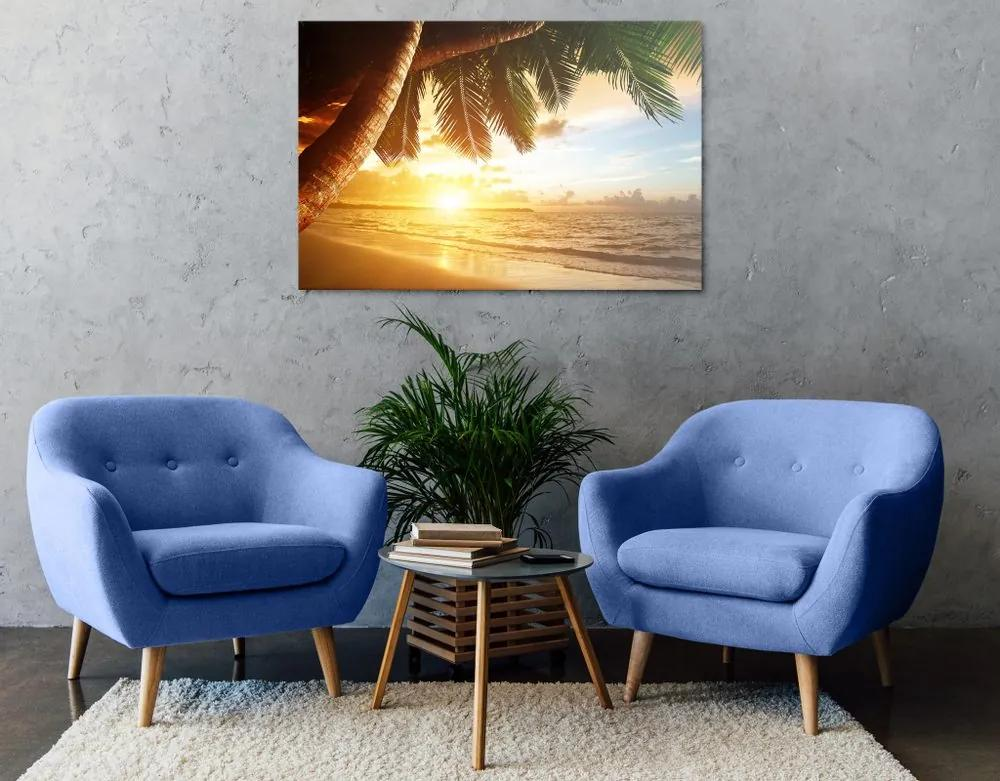 Kép napkelte tengerúparton a karibi szigeteken