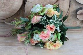 Színes mű rózsacsokor növényzettel 50cm